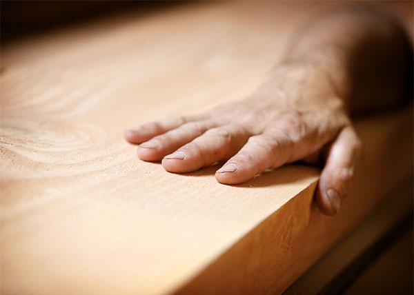 Kendler Holzbrett mit Hand