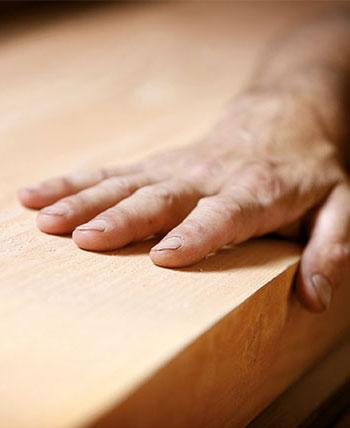 Wir arbeiten mit Holz!
